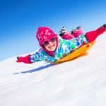 5 WAYS TO KEEP YOUR FAMILY ACTIVE THIS WINTER